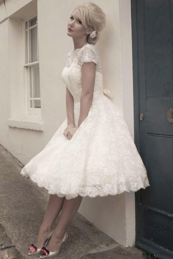 retro krátké svatební šaty krajkové rockabilly 60´s - plesové šaty ... a76221a3c6d